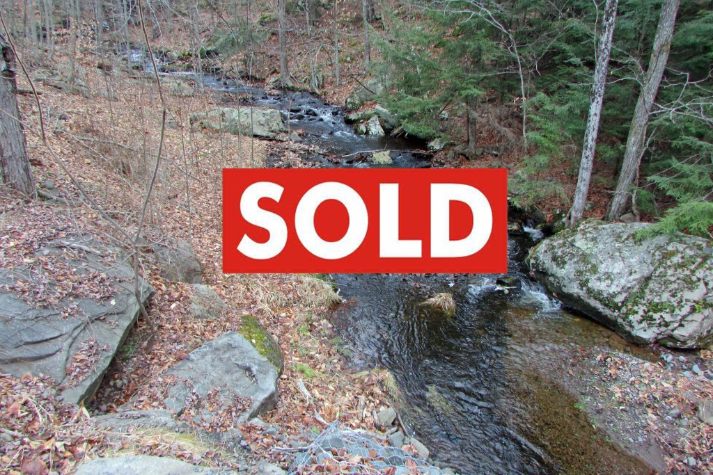 For Sale – 3.2 Acre Private Building Lot on Crystal Clear Stream! Thompson, NY – Lake Rights! Mins to new casino! Only $14,900!