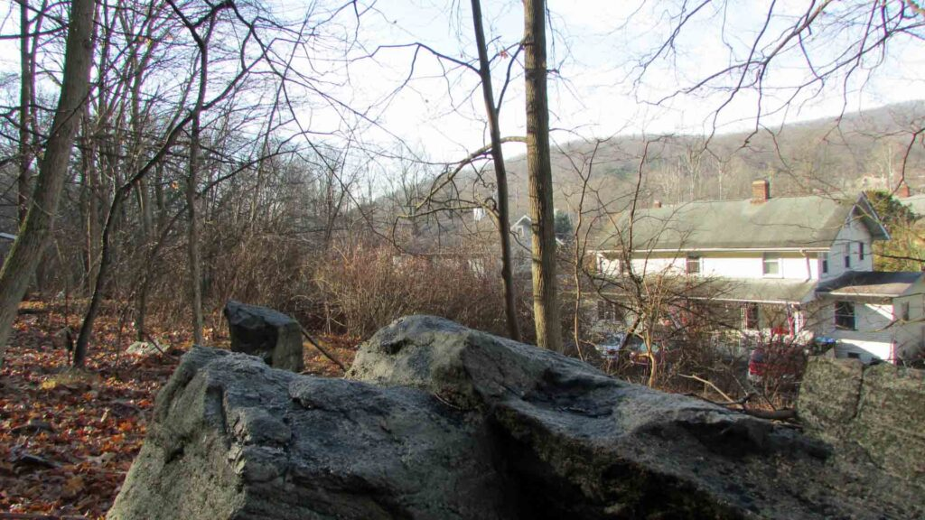 """Top Shelf"" 75 x 125 Building Lot Tuxedo NY – Muni w&s – Adjoining State Land – Mt views – 1 hr/NYC!!! – Only $12,900!"